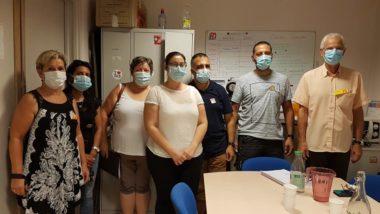 Des représentants du syndicat FO, une parent d'élève de l'école Sidi Brahim, (au centre) et trois agents en procès contre la Ville de Grenoble août 2020 © Séverine Cattiaux - Place Gre'net