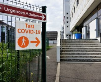 Légère remontée des hospitalisations: le CHU lance un (nouvel) appel à la vaccination et au respect des gestes barrières