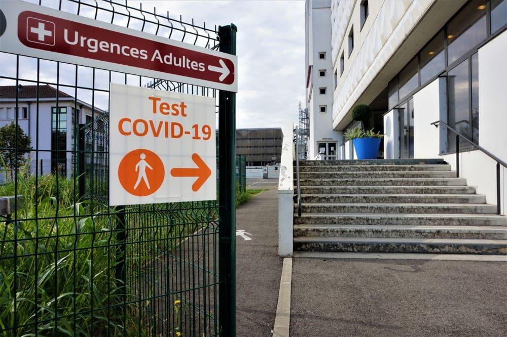 Les taux d'incidence et de positivité au Covid explosent en Isère © Simon Marseille - Place Gre'net