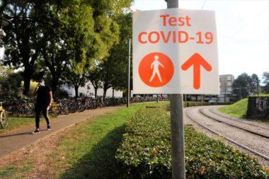Signalisation Test Covid-19 au CHU de la Tronche © Simon Marseille - Place Gre'net