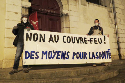 Rassemblement d'opposants au couvre-feux de ce samedi 17 octobre 2020. © Michel Szempruch