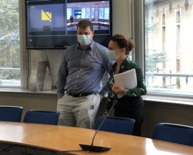 Covid : la pandémie s'accélère dans la région grenobloise. Monique Sorrentino et Guillaume Debaty © Laure Gicquel
