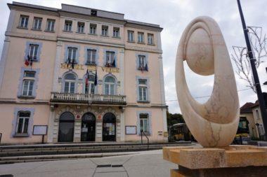 Plus de démocratie participative au Pont-de-Claix? Mairie de Pont-de-Claix © Simon Marseille – Place Gre'net
