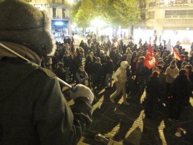 Couvre-feu : ses opposants s'expriment à Grenoble.Rassemblement d'opposants au couvre-feux de ce samedi 17 octobre 2020. © Michel Szempruch