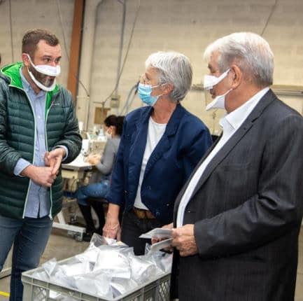 Visite d'EPF Entreprises à Échirolles, où sont fabriqués les masques inclusifs. © Ville de Grenoble
