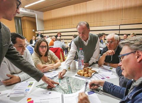 COUV Participation citoyenne, une réunion d'habitants organisée par Grenoble-Alpes Métropole DR