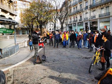Nouvelle mobilisation des acteurs culturels ce 3 décembre.Patrick Seyer lors de sa prise de parole. © Joël Kermabon - Place Gre'net