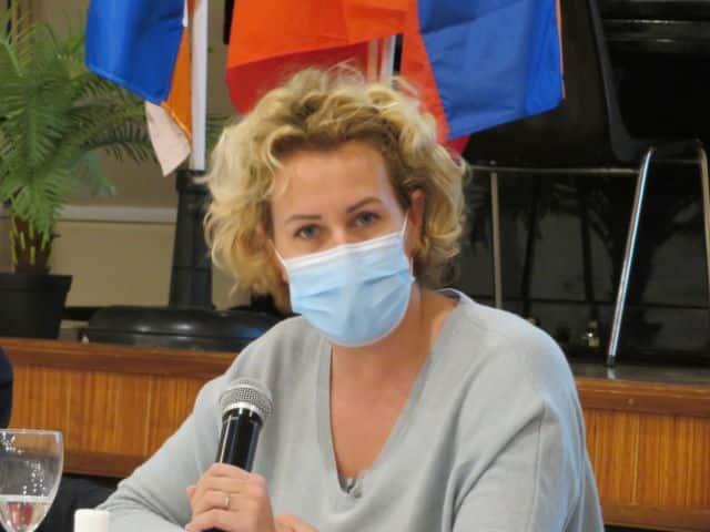 """La députée de l'Ièsre Émilie Chalas votera bien la loi """"sécurité globale"""" à l'Assemblée Nationale. © Tim Buisson – Place Gre'net"""