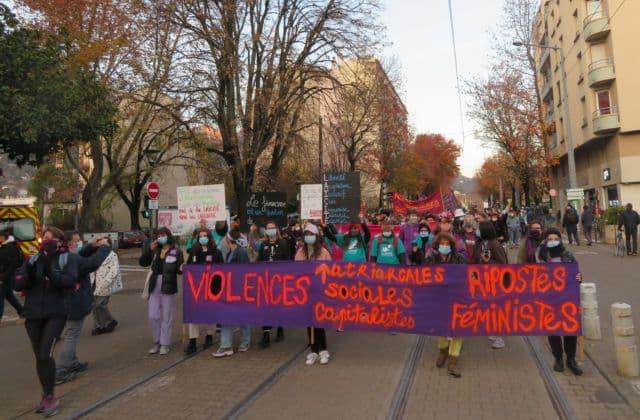 Manifestation contre les violences faites aux femmes à Grenoble. © Tim Buisson – Place Gre'net