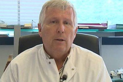 Le professeur Didier Raoult a annoncé porter plainte en diffamation contre Jean-Paul Stahl, infectiologue du CHU de Grenoble.