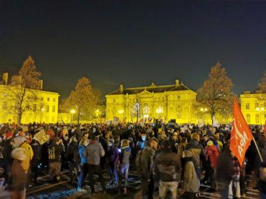 Entre 1200 et 3000 manifestants rassemblés place de Verdun. © Joël Kermabon - Place Gre'net