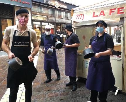 Des restaurateurs avaient manifesté contre la fermeture de leurs établissements en octobre dernier. © Joël Kermabon - Place Gre'net