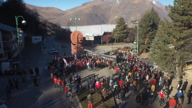 Rassemblement organisé par les 2 Alpes lundi 30 novembre © Les 2 Alpes