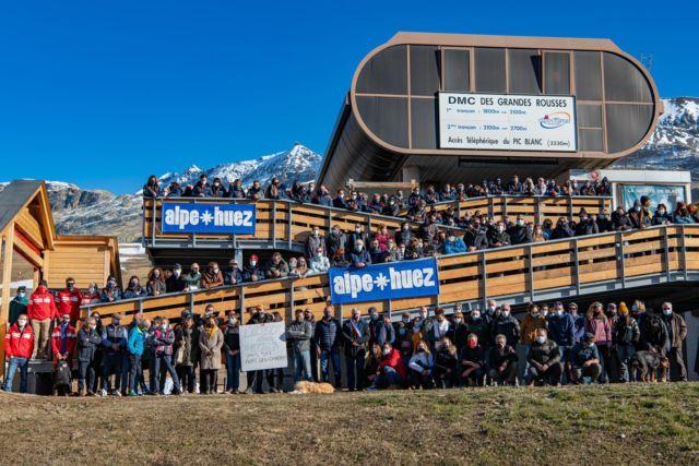 """La station de l''Alpe d'Huez livre une """"photo de famille"""" et appelle au soutien sur les réseaux sociaux © L'Alpe d'Huez"""