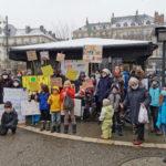 Début du rassemblement pour le maintient de l'instruction en famille. © Joël Kermabon - Place Gre'net