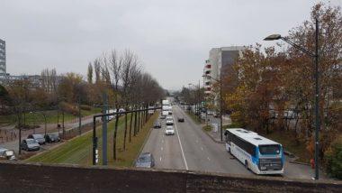L'avenue des Etats-Généraux, à proximité du quartier Essarts-Surieux à Echirolles, sera réaménagée dans le cadre du programme de renouvellement urbain des deux Villeneuves, 3 décembre 2020 © Séverine Cattiaux – Place Gre'net
