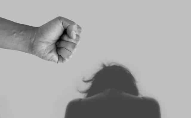 La lutte contre les violences conjugales doit aussi passer par la prise en charge des auteurs, insiste l'association Passible. DR