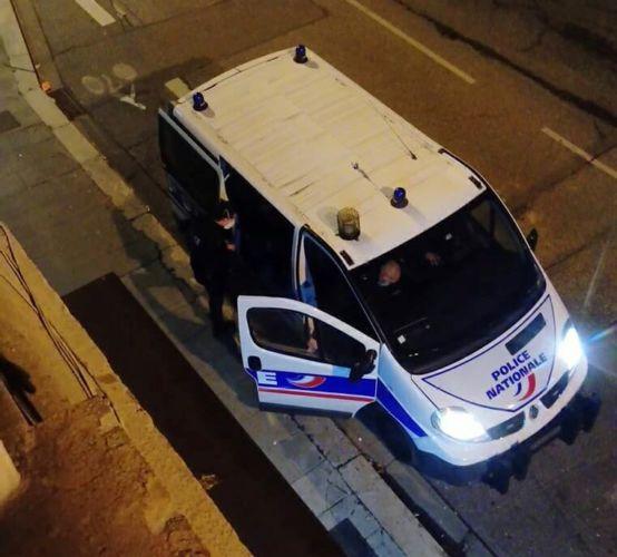 Patrouille de police dans les rues de Grenoble © Tim Buisson – Place Gre'net