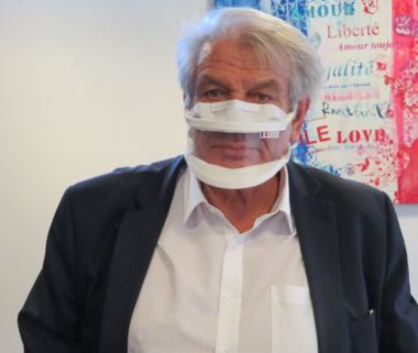 Le maire d'Échirolles Renzo Sulli souhaite que le gouvernement accélère la vaccination. © Tim Buisson – Place Gre'net