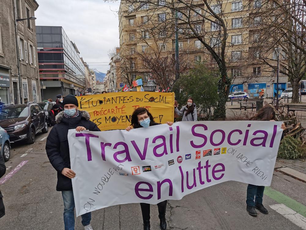 Manifestation des travailleurs sociaux en janvier 2021 à Grenoble © Joël Kermabon - Place Gre'net