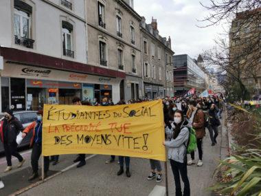 Le secteur social et médico-social mobilisé à Grenoble.Joël Kermabon - Place Gre'net