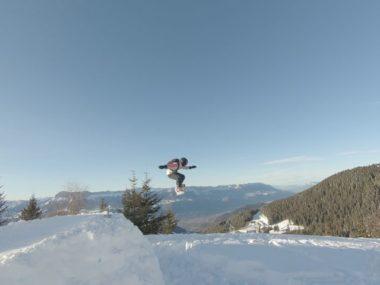 Anouk Tronchet en train de sauter