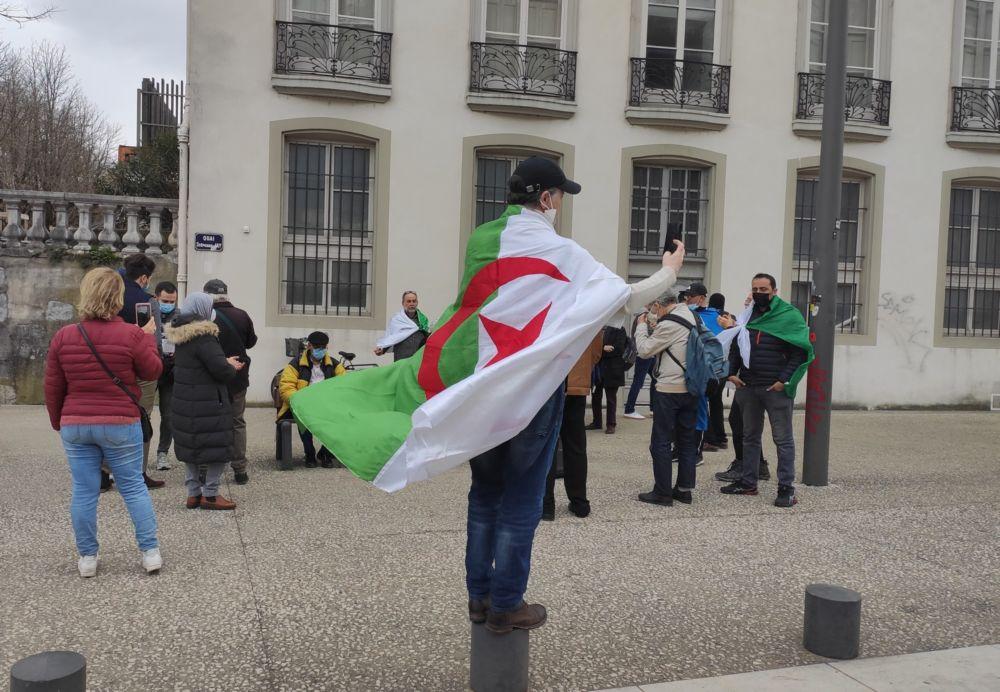 Les Algériens de Grenoble célèbrent les deux ans du Hirak © Florent Mathieu - Place Gre'net