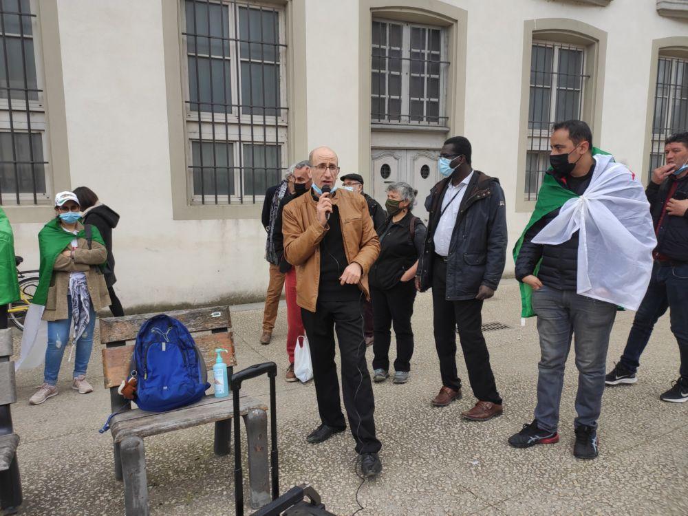 Hassene Kemel lors d'une prise de parole © Florent Mathieu - Place Gre'net