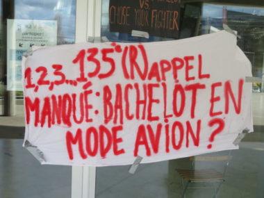 Une affiche sur la MC2 de Grenoble. © Tim Buisson – Place Gre'net