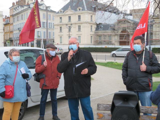 Pascal Costarella de la fédération de la libre pensée Isère. © Tim Buisson – Place Gre'net