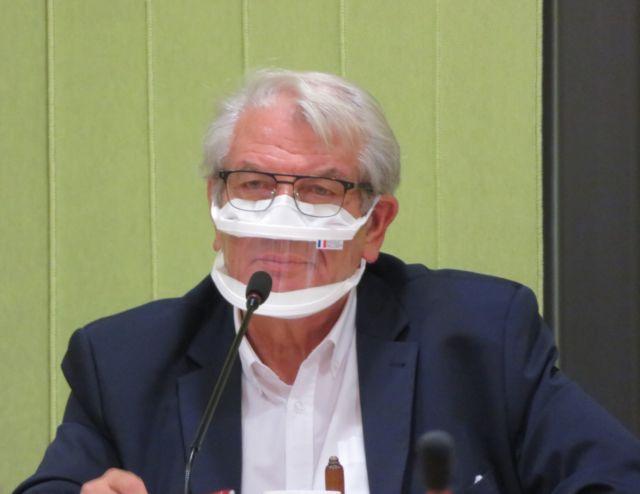 Le maire d'Échirolles Renzo Sulli apporte son soutien aux policiers visés par des menaces de mort © Tim Buisson – Place Gre'net