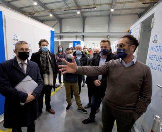La Métropole réaffirme son soutien à la filière hydrogène en visitant l'entreprise HRS