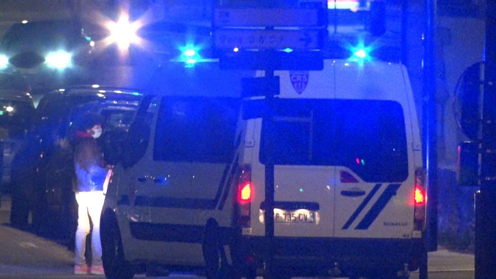 Des policiers ont (encore) été pris à partie à Grenoble dans la nuit du 15 au 16 avril © Joël Kermabon - Place Gre'net