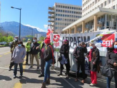 Afiph à Grenoble : les travailleurs sociaux mobilisés. Les syndicats souhaite que la prime de 183 euros soit versée à tous les salariés. © Tim Buisson – Place Gre'net