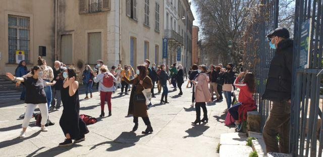 Cinq minutes de danse par jour au Jardin de ville