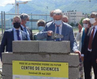 Pose de la première pierre du centre de sciences métropolitain