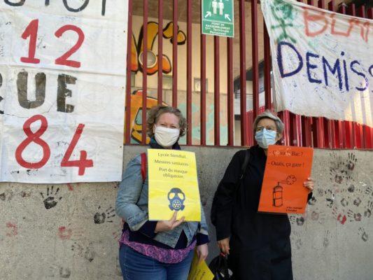 Des lycéens, toujours mobilisés, ont manifesté à Grenoble. Des professeurs sont venus soutenir les élèves. © Sarah Krakovitch – Place Gre'net