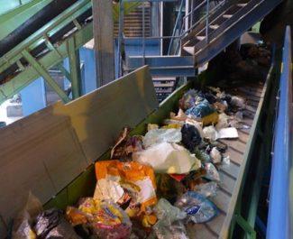Le recyclage des déchets plastique à l'arrêt durant six semaines (en toute discrétion) sur la Métropole