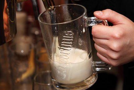 Un contrôle dans un bar ouvert illégalement à Grenoble cause une altercation entre tenanciers et policiers