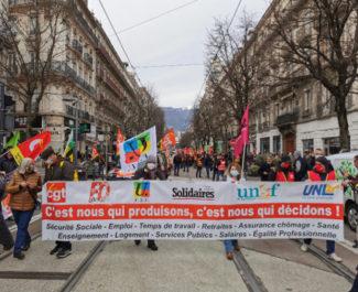 Manifestation contre la précarité à Grenoble ce 4 février 2021. © Joël Kermabon - Place Gre'net
