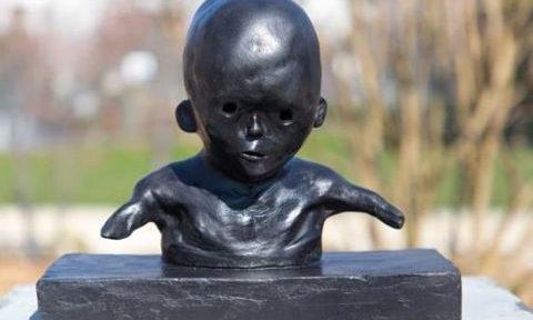 COUV L'enfant de Tchernobyl, don à la Ville de Grenoble, du sculpteur Jean-Marc Rochette DR