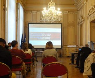 Salon de la préfecture de l'Isère lors d'une cérémonie de remise de décrets de naturalisation