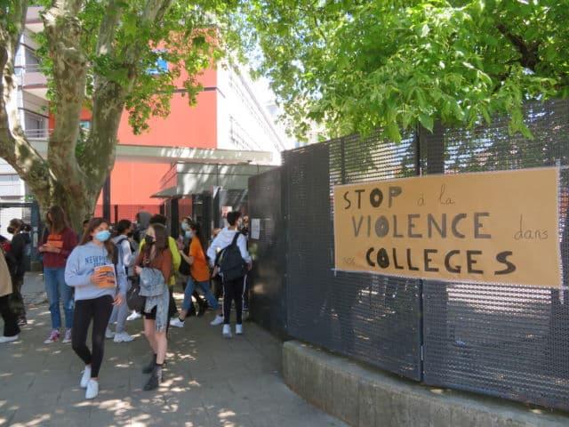 Rassemblement contre les violences entre le collège Fantin-Latour et Aimé Césaire à Grenoble mercredi 26 mai 2021. © Tim Buisson – Place Gre'net