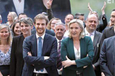 Andréa Kotarac aux côtés de Marine Le Pen