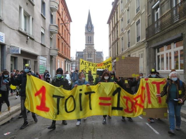 Mobilisation contre la cirse du logement à Grenoble samedi 27 mars 2021. © Tim Buisson – Place Gre'net