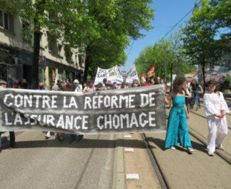 Manifestation contre la réforme de l'Assurance-chômage vendredi 23 avril à Grenoble. © Tim Buisson – Place Gre'net