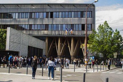 """L'Éducation nationale dévoile les évaluations """"Ival"""" des lycées de l'académie de Grenoble"""