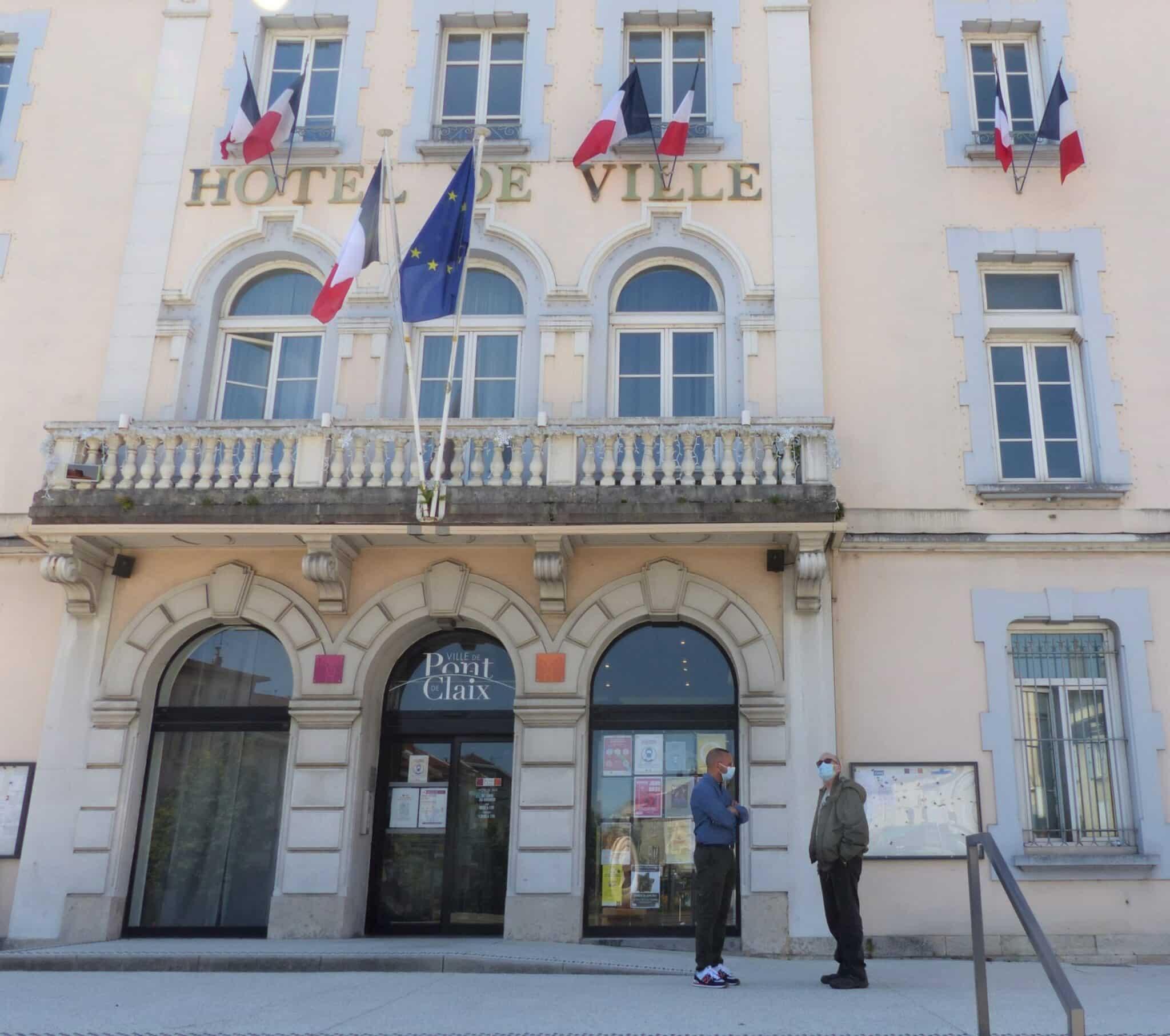 mairie de Pont-de-Claix, 15 juin 2021, changement des tarifs pour les services publics (c) Emma Venancie-Place Gre'net