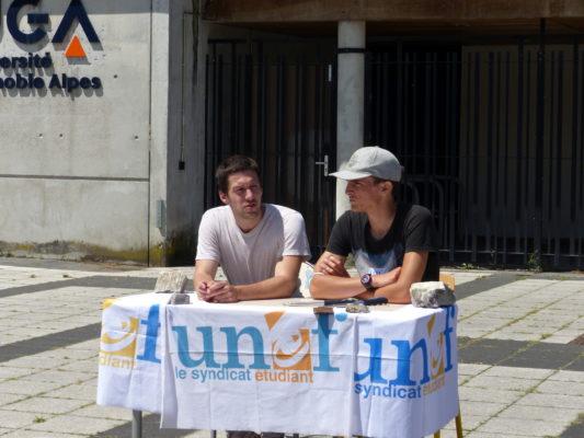 membres de l'UNEF de Grenoble, de gauche à droite : Quentin, Léance, 29 juin 2021 (c) Emma Venancie