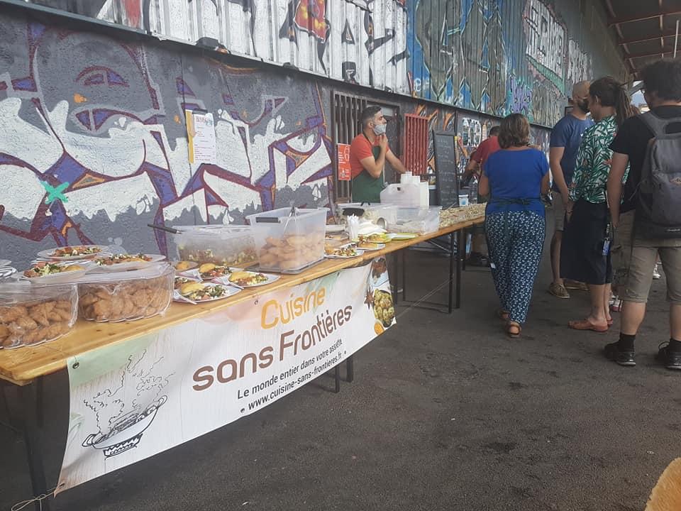Cuisine sans frontières au Pass'sport festival, dans le cadre de la Semaine des réfugiés, dimanche 20 juin 2021. © Séverine Cattiaux - Place Gre'net